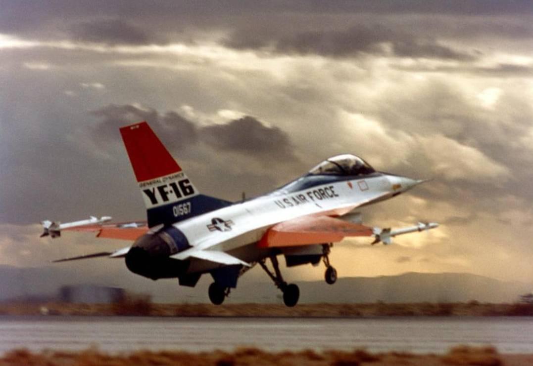 F 16 Fighting Falcon Lockheed Martin
